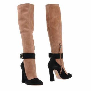 prada-fake-leg-boots.jpg